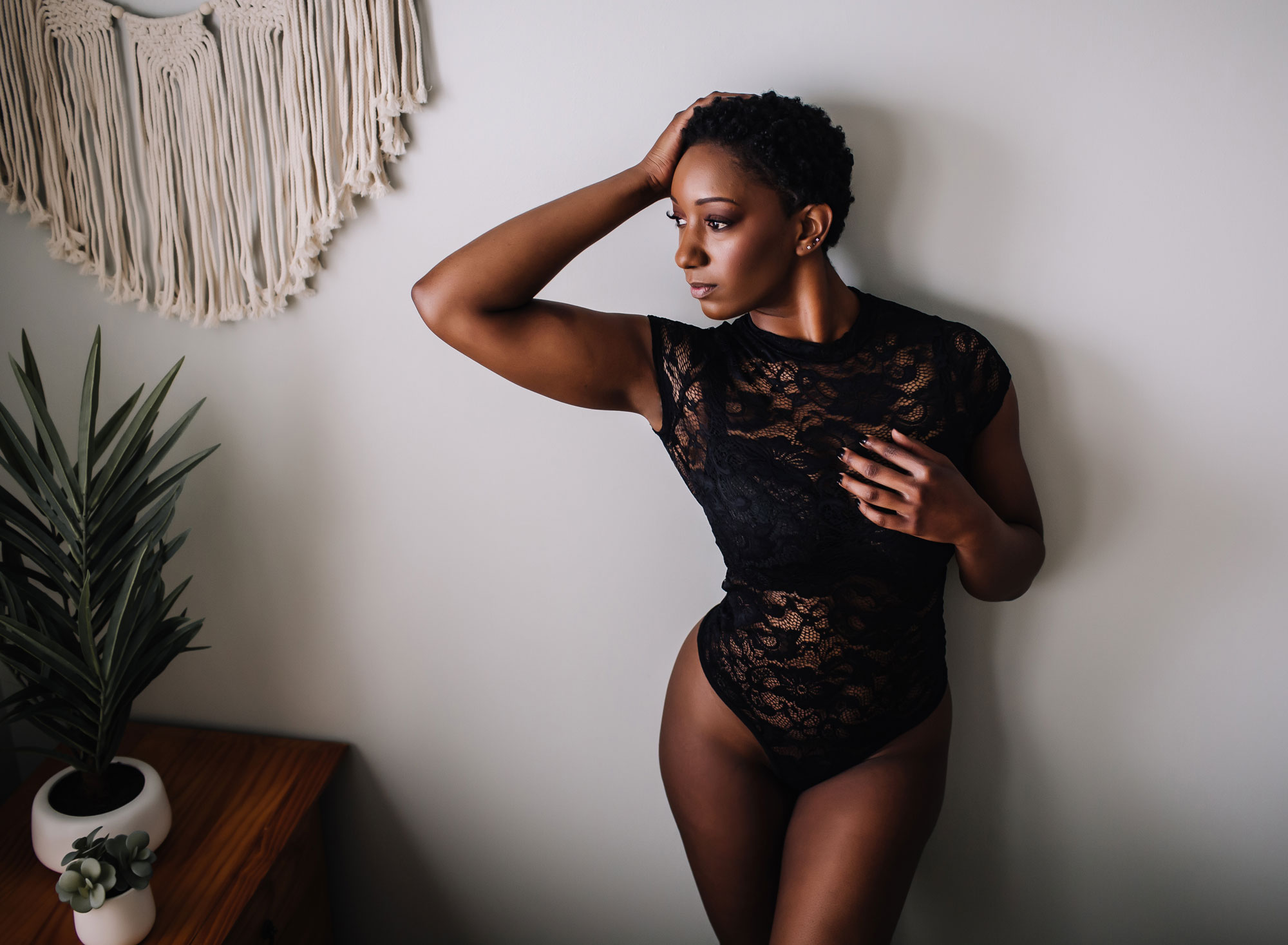 curvy-woman-black-lace-bodysuit