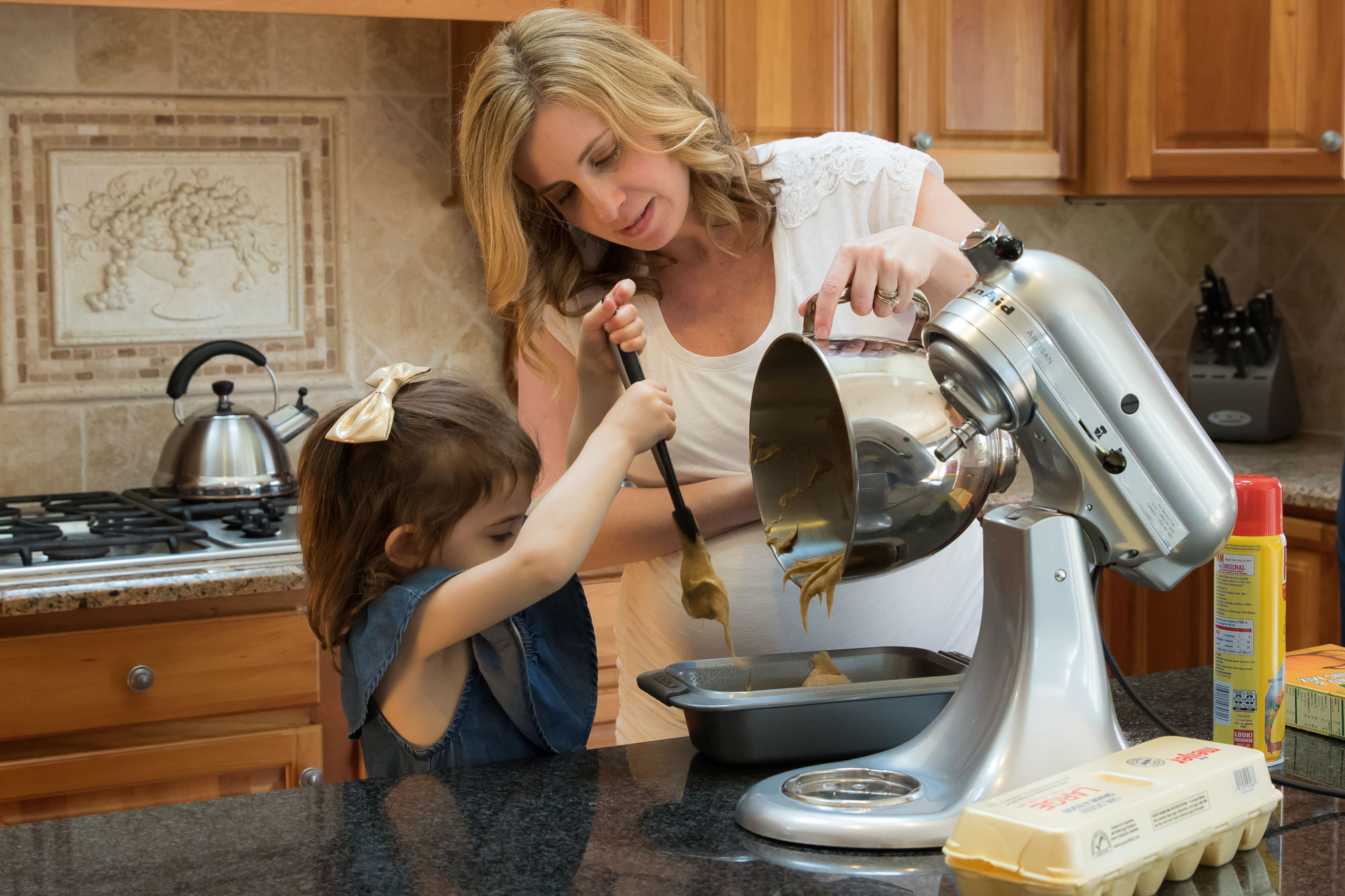 mother-daughter-baking-maternity